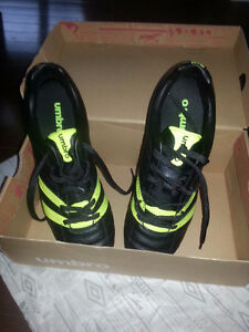 Umbro Size 10 New Soccer Cleats
