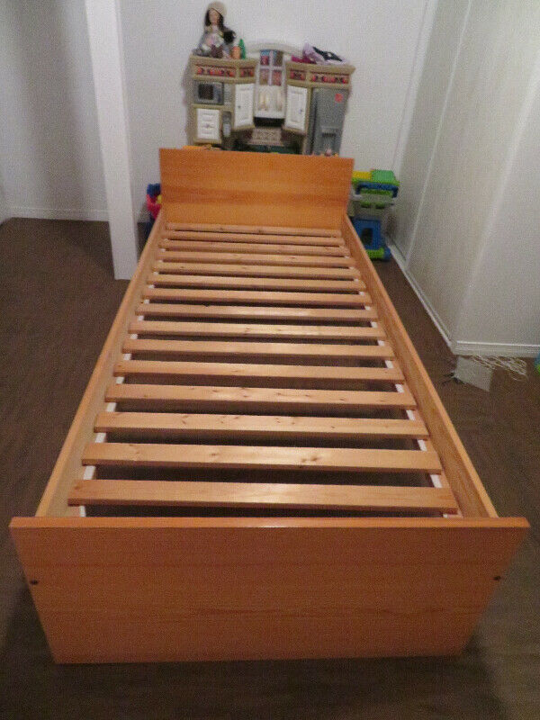 Base De Lit Simple En Bois Ikea