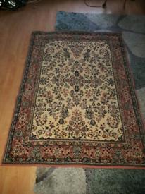 Traditional Floral Rug 118 x 168cm