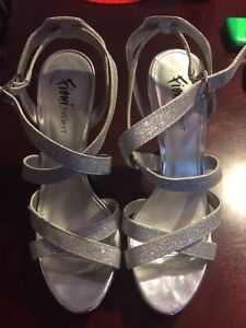 Size 8 sparkly heels. Peterborough Peterborough Area image 1