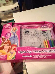 Disney trace fashion