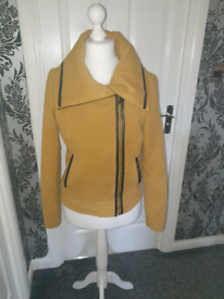 Mustard coat size L