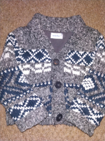 Grey sweater size 9-12 months