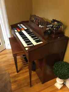 Antique working organ Peterborough Peterborough Area image 1