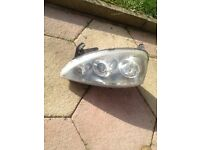 Corsa c sxi 2005 passenger side projection headlight in good working order 07594145438