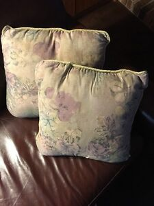CUSHIONS  - decorative throw cushions