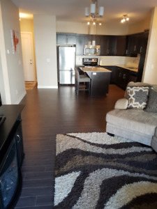 Rent Reduced!!! ***HEATED PARKING***IN-SUITE LAUNDRY***