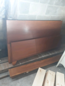 Dressers and bed forsale.