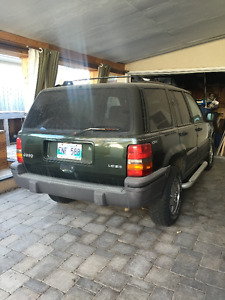 1995 Jeep Grand Cherokee Laredo SUV for parts