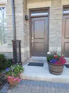 Richmondhill-Leslie Street-Bayview &HWY 7- 2 Bed room House
