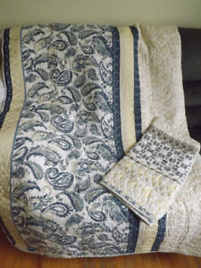 Twin Size Beautiful New Quilt, Never Used