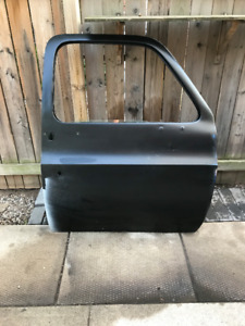 FS: Chevy Truck Doors 73 to 87