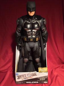 BATMAN 20 inch JUSTICE LEAGUE tactical suit $50.00 new