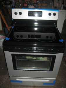 BRAND NEW FRIGIDAIRE SELF CLEANING GLASS TOP STOVE