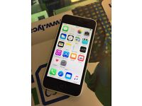 Iphone 5c in white 32gb unlocked good condition, buy from shop retailer
