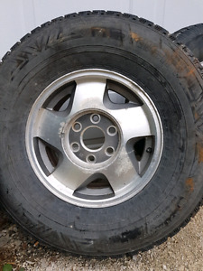 4 Rims and Tires GM Truck. 265/75/R16 (6x139)