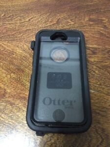 OTTER BOX ~ iPHONE 5/5S ~ USED