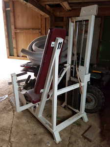 Flat chest machine