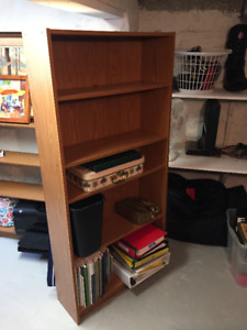 Shelving unit/bookshelf, adjustable shelves