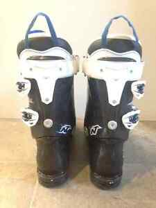 Youth Nordica downhill ski boots size 6 London Ontario image 3
