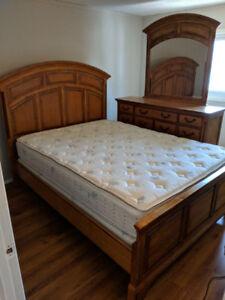 6pc Solid Wood Bedroom Set - Queen
