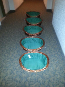 WICKER BED BASKETS FOR DOG OR CAT (ALL SIZES AND BRAND NEW)