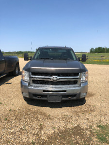 2008 Chev Silverado 2500 HD, EXCELLENT CONDITION