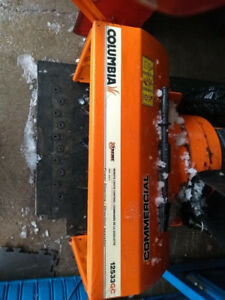 COMMERCIAL SNOWBLOWER