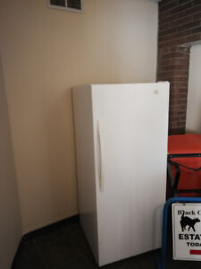 Fridge only in Excellent Condition ( no freezer in this unit)