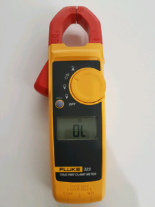 Fluke 323 True RMS Clamp Meter (Multimeter)