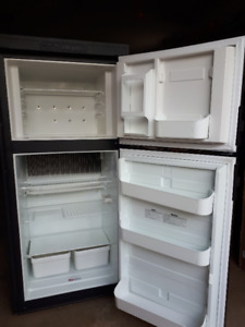 RV Dometic 2 way fridge