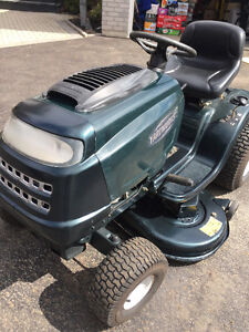 LAWN TRACTOR 17.5 SHIFT ON THE GO 42 INCH CUT