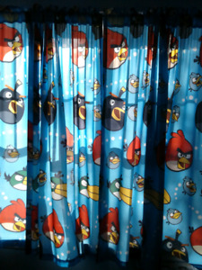 2 pair of Angry Birds Curtains