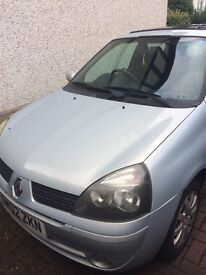 2002 Renault Clio 3 door, MOT until July 2017