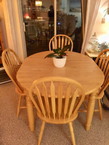 Solid Blonde Wood Dinning Room Table
