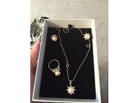 Pearl costume jewellery set