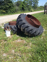 Massey Ferguson 1135 Dually Tractor Tires