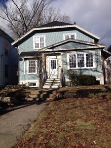 4 bedrooms for rent in spacious house across from Dalhousie!
