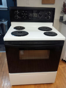 Kenmore Self-Cleaning Electric Stove