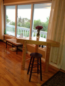 Log corner table