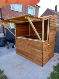 6' X 4' GARDEN BAR FULLY ENCLOSED ASSEMBLED FREE LOCAL DELIVERY