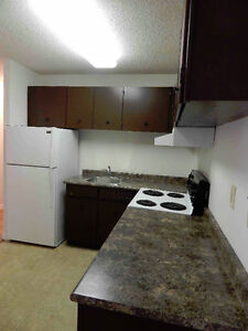 Renovated 2 Bdrm Suite close to Chinook @ $1025 on 1 year lease!