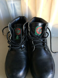 Men's black safety boots. Size 10.5