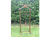 LOVELY WOODEN GENTLEMAN'S VALET STAND.