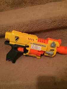 Various Nerf Guns and Accessories Cambridge Kitchener Area image 7