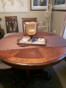 Solid wood dinning room table