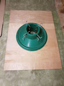 Christmas tree stand - with wooden platform