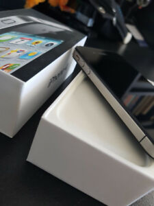 iPhone 4s Unlocked!!!