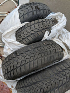Winter tires w/ rims from Honda fit (175/65/14) 100$