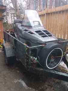 1990 Polaris Indy 500 trail deluxe + trailer